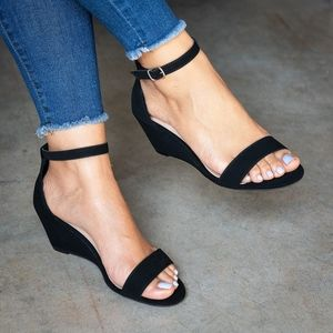 Single Band Black Low Heel Wedges